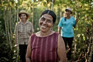 Victoria Romero vive en la comunidad de Tapecaaguy, cerca de la ciudad de San Pedro. Tiene dos hijos. Es secretaria de la AAO (Asociación de Agricultores Oñondivepá) y presidenta del comité de mujeres. (c) Pablo Tosco / Oxfam Intermón